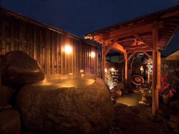 蔵王巨石くり貫き露天風呂 満天 outdoor-bath MANTEN