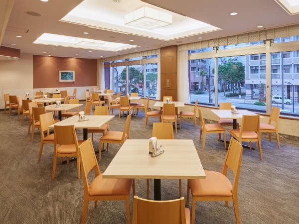 [ レストラン・オリオン ] 2F 朝食 07:00~10:00、ランチ 11:30~14:00
