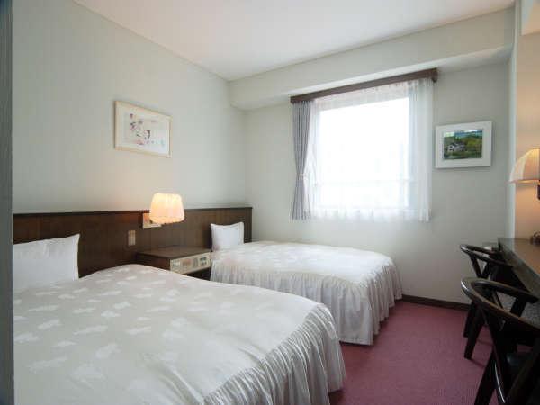 【ツインルーム】2018年春に客室と廊下の絨毯をリニューアル★お部屋でゆったりとお過ごしください♪