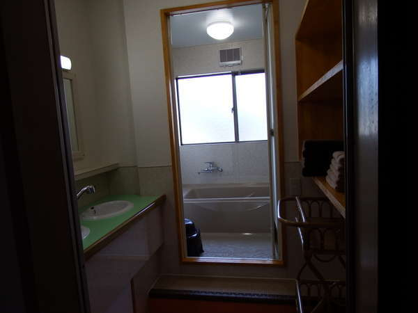 洗面所、風呂場