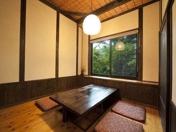 食事処の個室(写真は4名様用)