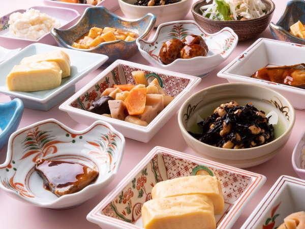 選べる小鉢の朝ごはんだがね。食べや~