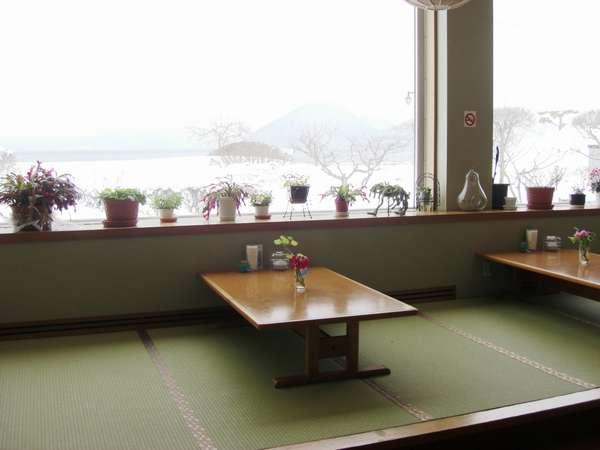 レストラン (畳の席もあります)