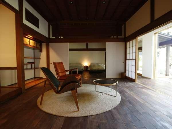【KURA】KURA客室は7室。大きな座敷蔵の4室(1階は3間続きの特別室)、小さな土蔵にメゾネットタイプの3室