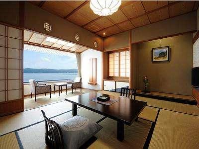 【瑞仙】海側一般客室。目の前に広がる波静かな海の眺めが旅の疲れをやさしく癒してくれます。