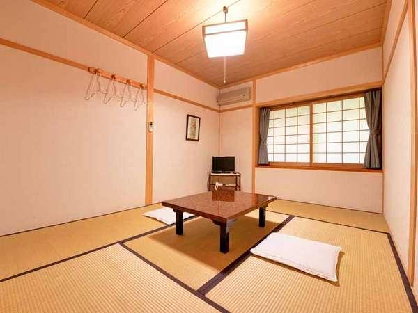 *和室6畳(客室一例)/足を伸ばしてのんびりとお寛ぎいただけるお部屋。