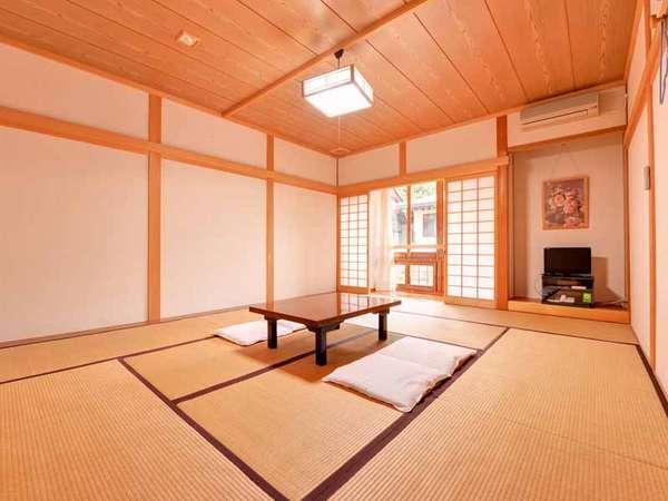 *和室10畳(客室一例)/和室のお部屋。癒しのひと時をお過ごし下さい。