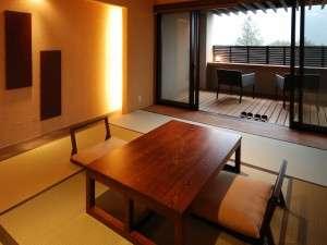 【和洋室・風の舘】天然温泉の露天風呂の付いた客室です。