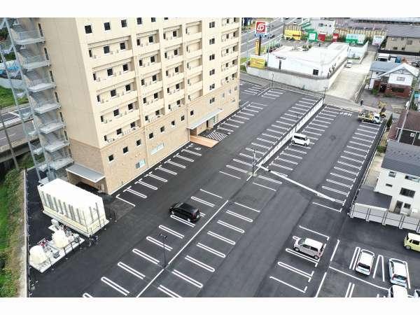 平面駐車場160台分ご用意!!