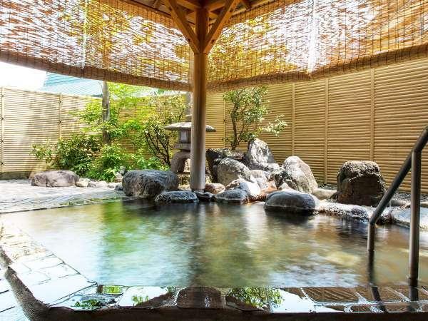 【純和風温泉露天風呂】清々しい空気が心地よい温泉露天風呂(男女入替制)