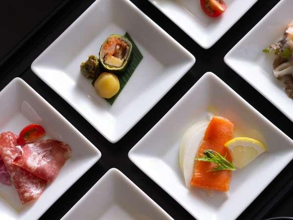 【ご夕食/御膳ディナー】6種の彩り豊かなお料理を箱前菜で。