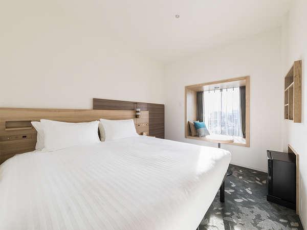 【客室】スーペリアダブル/ベンチ・部屋広さ…16㎡・宿泊人数…1~2名・ベッド幅…160cm