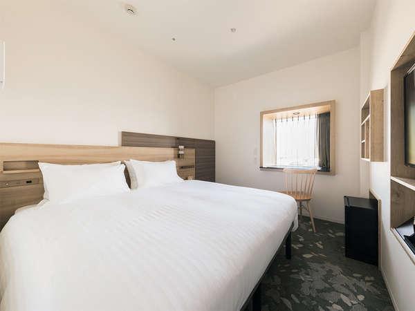 【客室】スーペリアダブル・部屋広さ…16㎡・宿泊人数…1~2名・ベッド幅…160cm