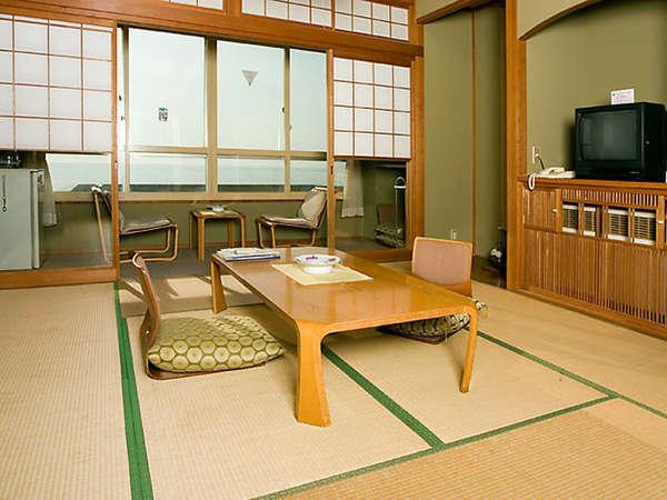 *【使用不可】全ての客室から日本海がご覧いただけます。(和室一例)