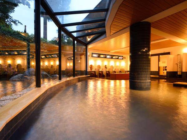 お部屋の露天風呂もいいですが、やっぱり広々した大浴場で足を伸ばして入浴も温泉旅行の魅力の一つです