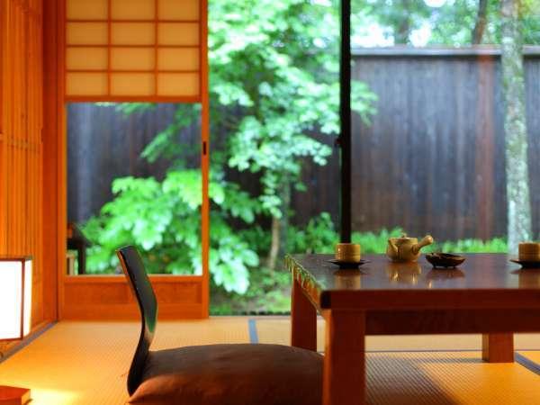 【客室/新館】大切な方とゆっくりと流れる時間をお愉しみいただく…そんな宿でありたいと想っております