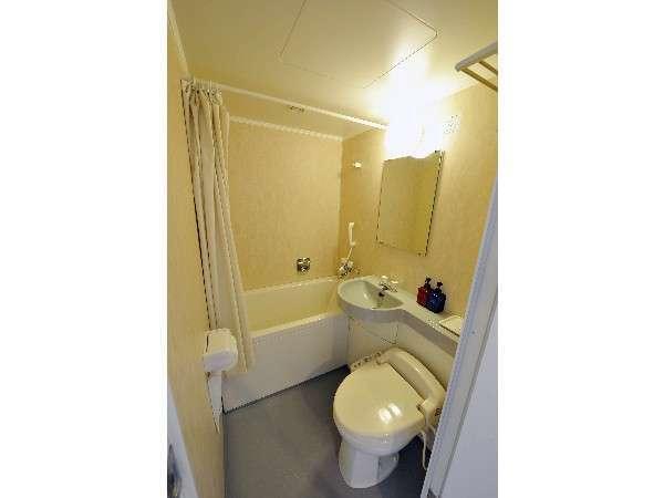 ゆっくりと深くつかれる浴室とウォシュレット付きのトイレ
