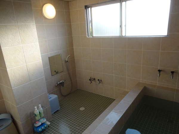 3F大浴場:内鍵かけてご家族一緒にどうぞ!ご利用時間は朝6:30~9:00、夕18:00~24:00