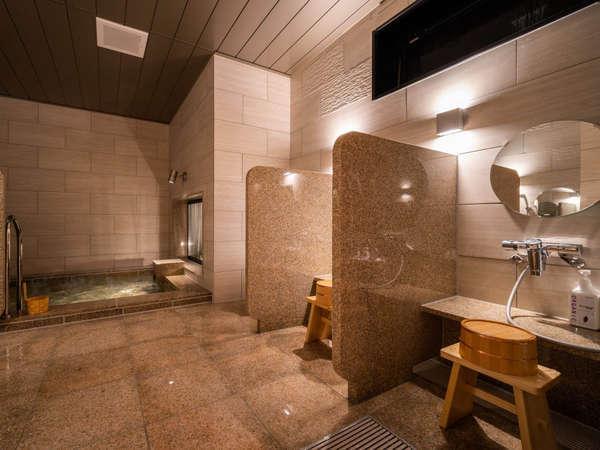 【Natural】女性大浴場。洗い場は全部で5ヵ所ございます