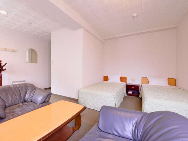 *デラックス(客室一例)/特別な休日にご利用いただきたいお部屋。カップルやご夫婦にお勧めです。