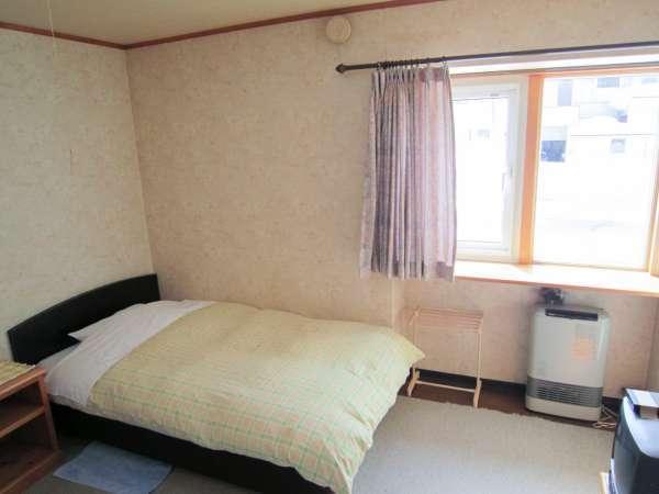*洋室一例/1~2名様でご利用いただけるツインルーム。