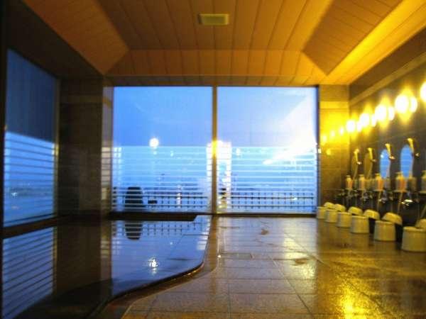 効能豊かな温泉で癒しのひととき♪午後3時~午前2時、朝5時~午前10時です。