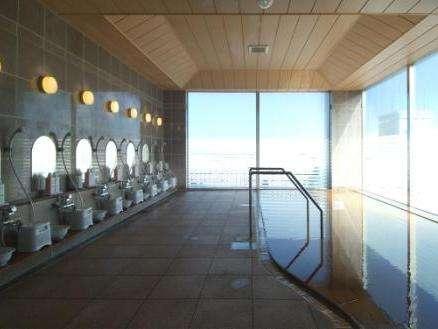 最上階の展望大浴場から、函館の街並みを一望できます♪15時~午前2時、朝5時~10時までです。