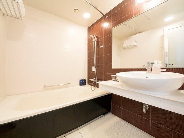浴室(ツインルームのみバストイレ別)