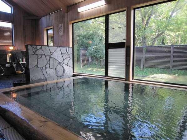 「かじかの湯」温泉で心も身体もリラックス。北欧フィンランド式の湿式サウナもございます。