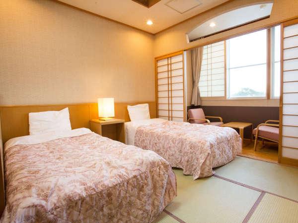 ■和洋室・12畳■和室ですが、お布団ではなくベッドをご用意しております!