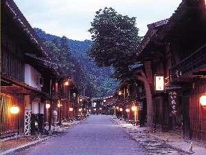 中山道の宿場町「妻籠宿」当館からお車で25分!ご観光の際は是非当館にご宿泊くださいませ。