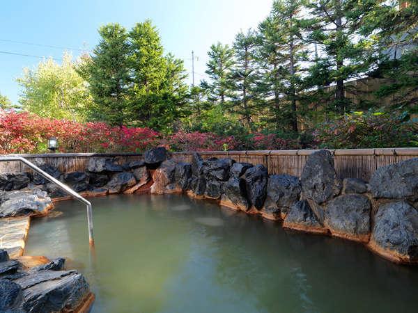 【大浴場】露天風呂 源泉そのまま!天然温泉100%かけ流しです。