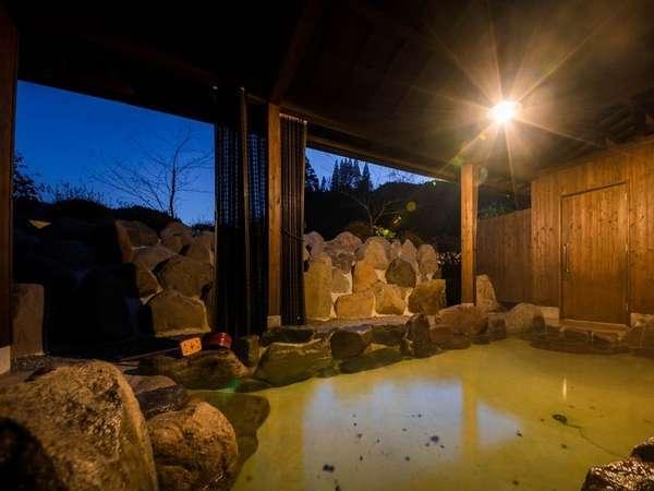 天然温泉源泉掛け流し貸切岩露天風呂