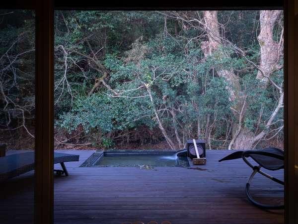 【松月syougetu】【紅豊beniyutaka】 川沿い岩露天付離れ