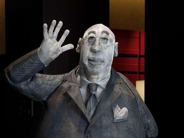 ロイヤルパークマスコットのおじさんが、お出迎えいたします!