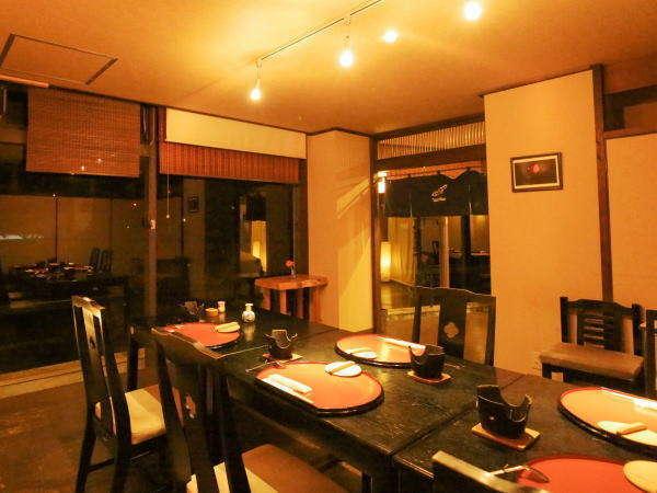 お食事処「ほのか」は1組様ずつパーテーションで仕切られ落ち着ける空間になっております。