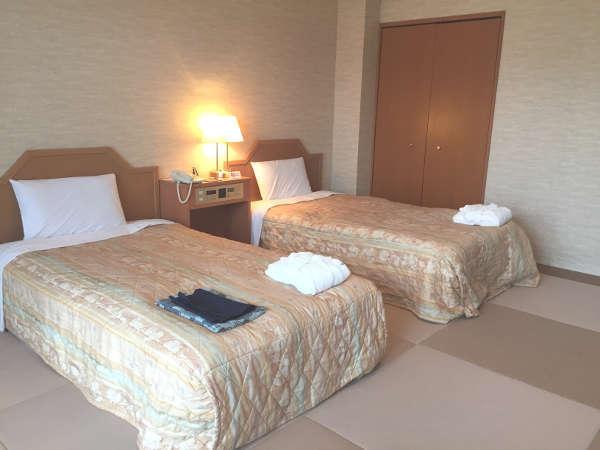 【露天風呂付新洋室】洋室に露天風呂が付いたお部屋です。