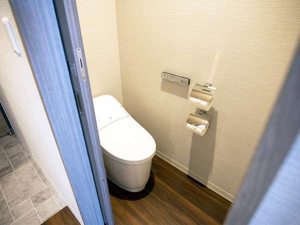 【トイレ】ツイン・コンフォートダブル・コーナートリプル