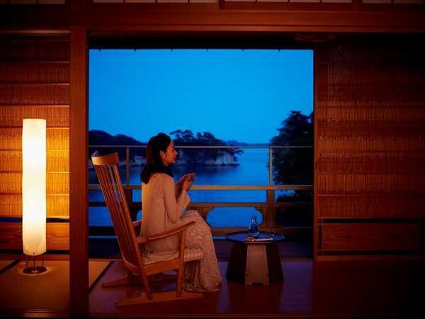松島湾を望むお部屋からはゆったりとした潮のうつろいを感じながらお過ごし頂けます。