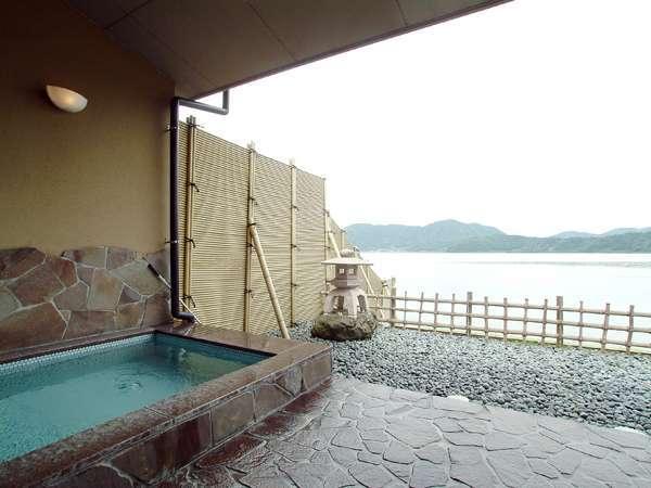 眺めの良い露天風呂 ラドン温泉で疲れた体を癒しましょう♪