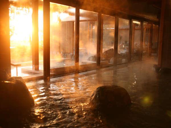 国生み神話の情景をイメージ「くにうみの湯」。