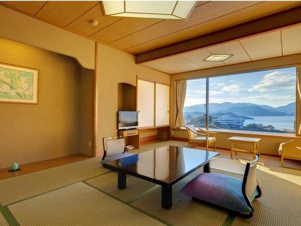 【海側和室西棟10畳】海岸線と広大な海を一望する南向きの客室