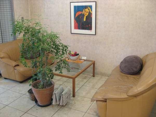 ロビーにはソファーもございますので、仕事の商談場所としてもご利用いただけます