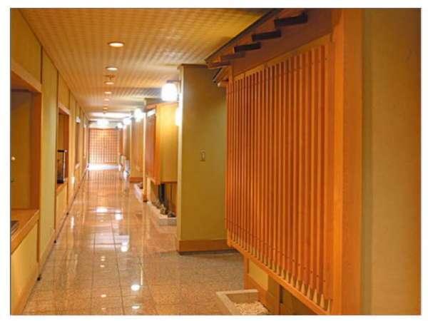 【緑水亭】 廊下