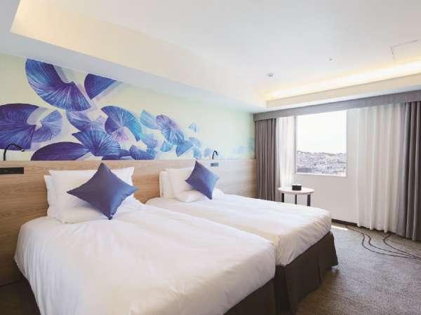 【スタンダードツイン/24平米】シンプルモダンなインテリアと機能性・快適さを備えた客室(最大3名様)
