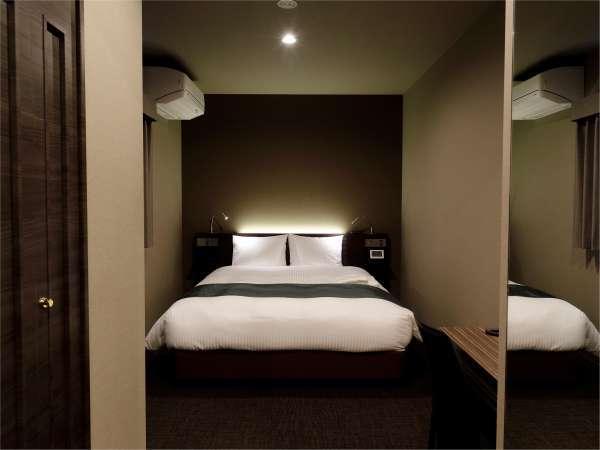 ■ダブルルーム寝室