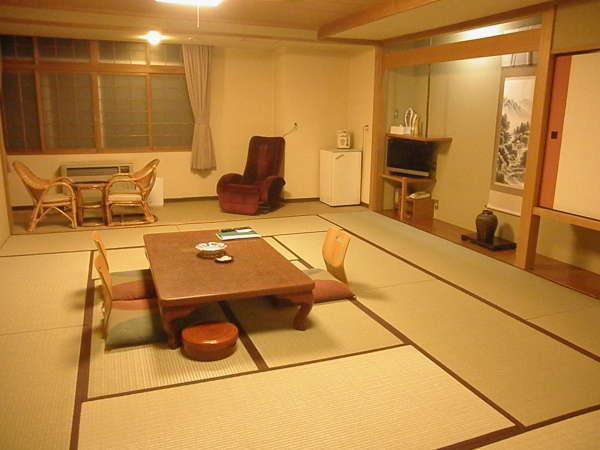ワンちゃん同室可能和室15畳一例