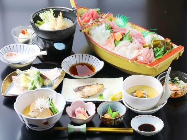 夕食 スタンダード+舟盛り(全体)