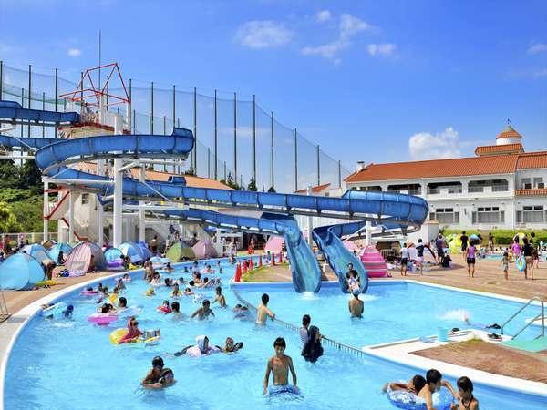 【屋外プール】7月13日~9月1日まで営業!スライダーの上から眺める景色は、解放感たっぷり!