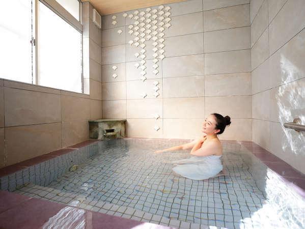 【藤の湯】天然温泉とシルキーバスの2つのお風呂がございます